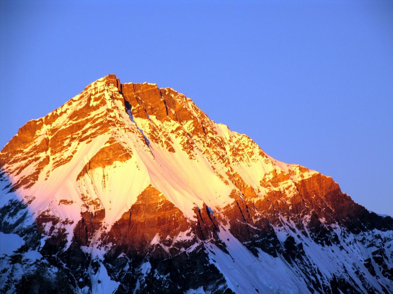 Эверест. Западный отрог. Непал