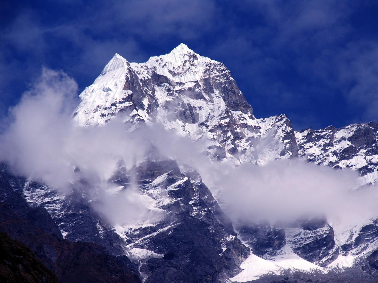 Пик Тамсерку. Непал
